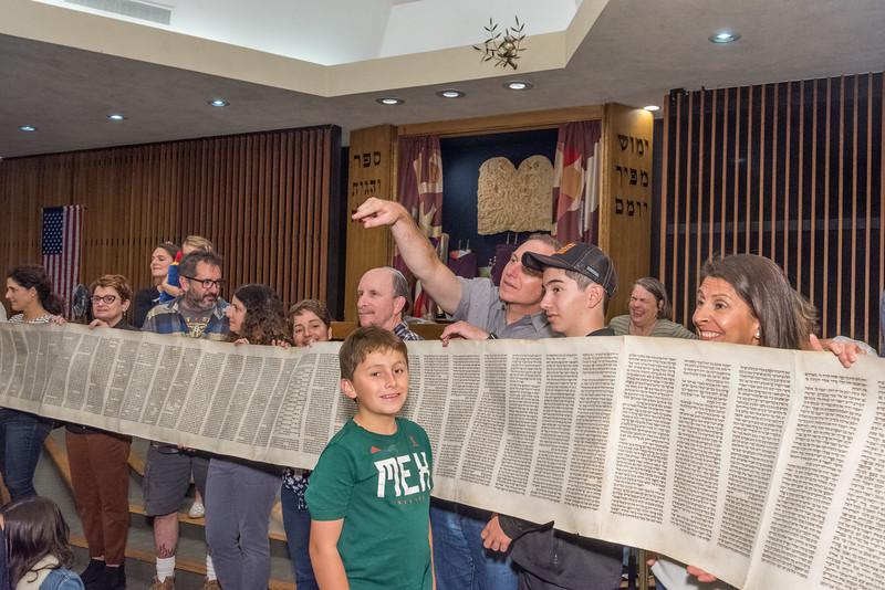 Simchat Torah-358.jpg