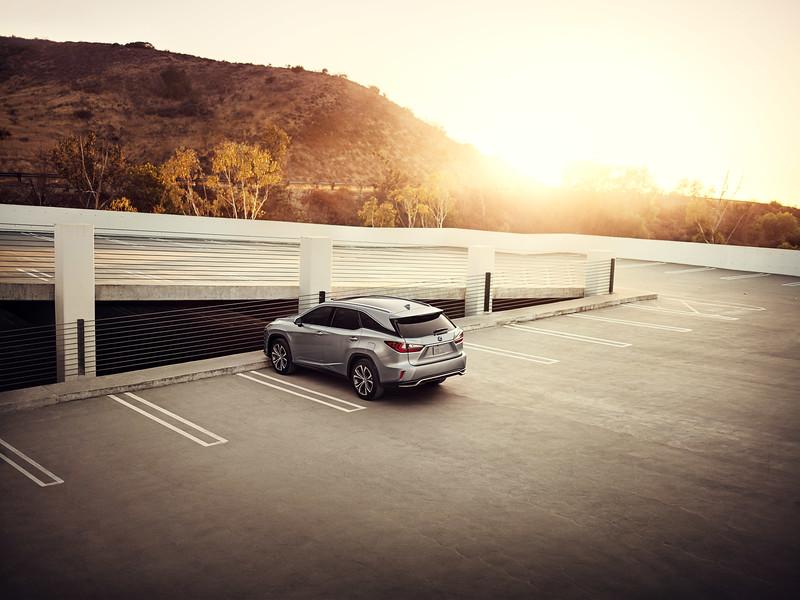 013-Oskar+Bakke+-+Lexus+RXL_.jpg