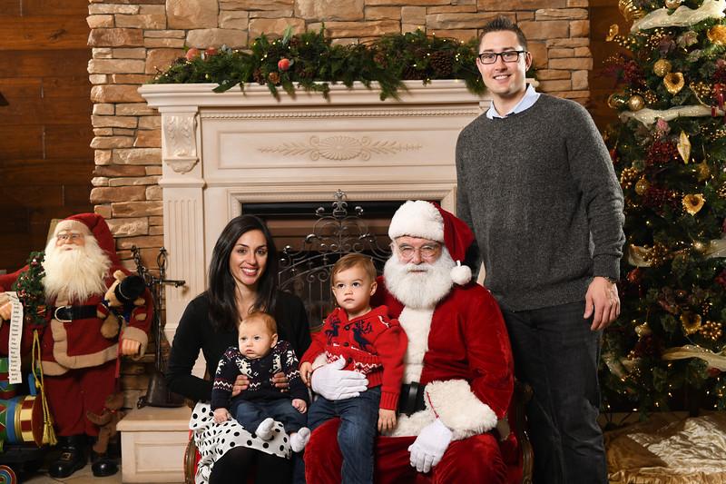 Santa2018.TylerBoye.-201.jpg