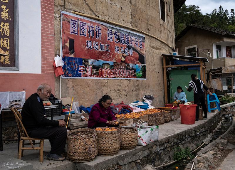 Selling oranges