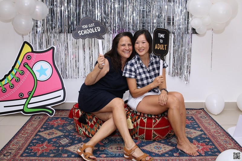 graduation-party-class-of-2021-instant-print-photo-booth-in-ho-chi-minh-Chup-hinh-in-anh-lay-lien-Tiec-Tot-Nghiep-2021-WefieBox-Photobooth-Vietnam-cho-thue-photo-booth-105.jpg
