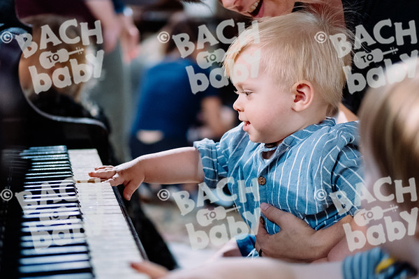© Bach to Baby 2018_Alejandro Tamagno_Victoria Park_2018-07-11 043.jpg