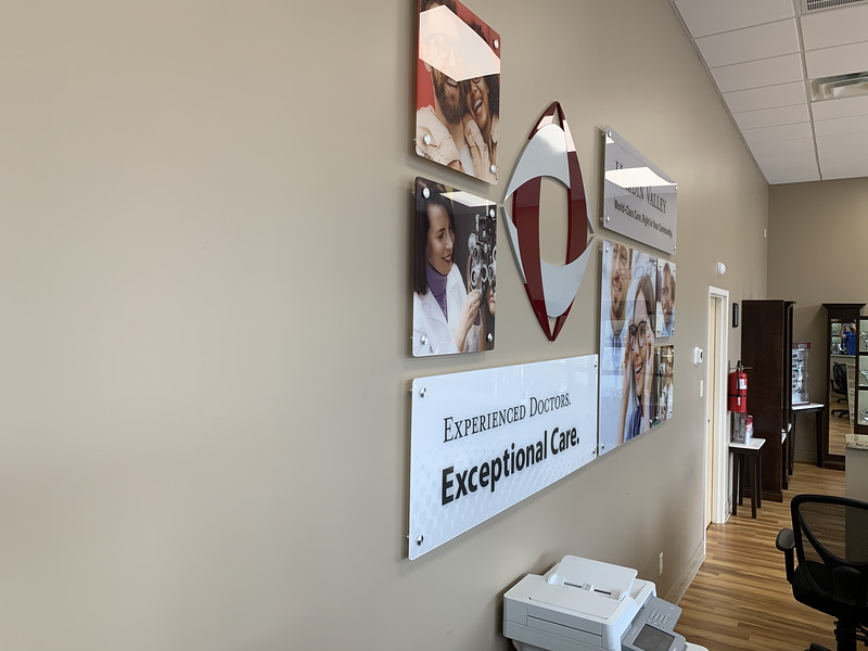 Knoxville-Environmental-Graphics-Campbell-Cunningham-Laser-Center-3_heic.JPG