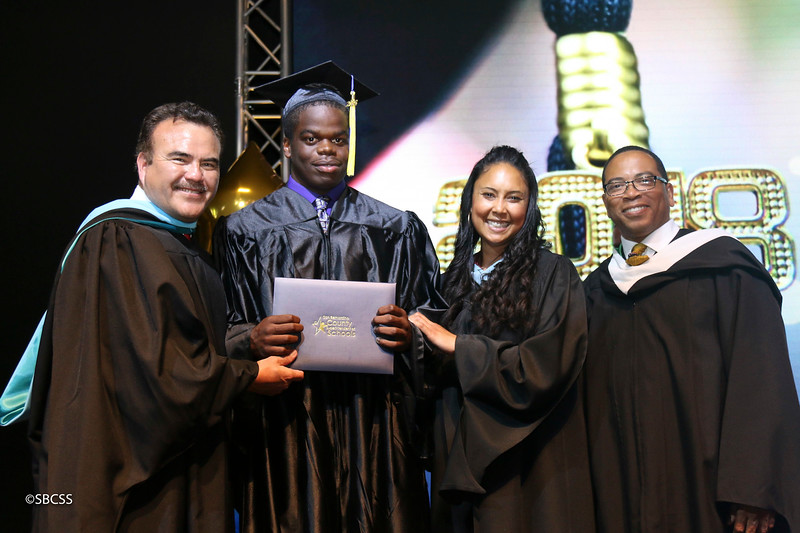 20180615_StudentServGrad-diplomas-102.jpg