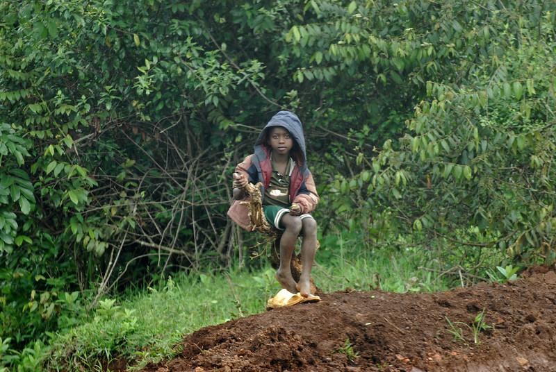 070115 4386 Burundi - on the road to Karera Falls _E _L ~E ~L.JPG
