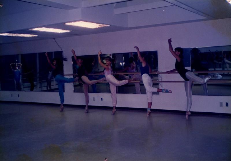 Dance_0004_b.jpg