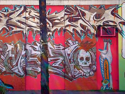WILD WALLS L.A. STYLE