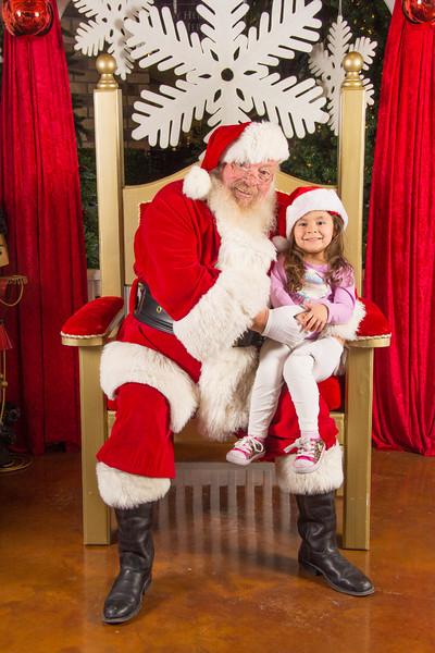 Santa 12-16-17-213.jpg