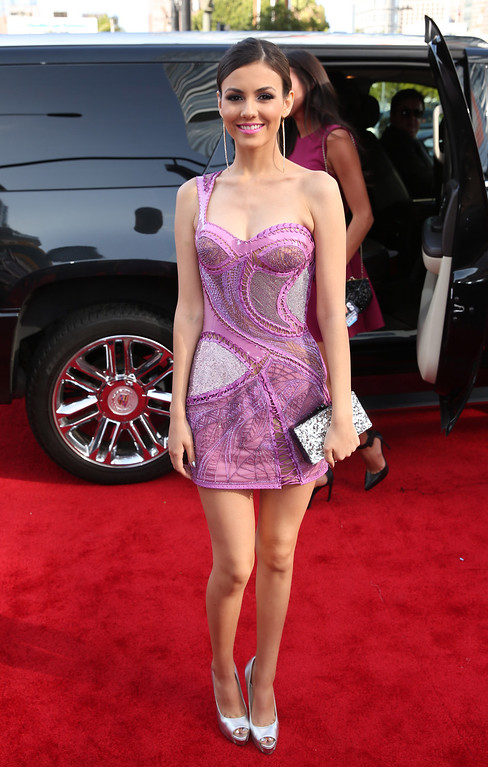 . Victoria Justice arrives at the MTV Movie Awards on Sunday, April 13, 2014, at Nokia Theatre in Los Angeles. (Photo by Matt Sayles/Invision/AP)