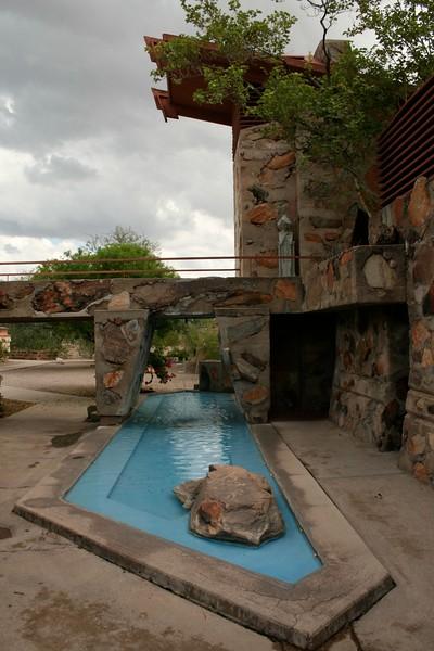 Frank Lloyd Wright Reflecting Pool.jpg