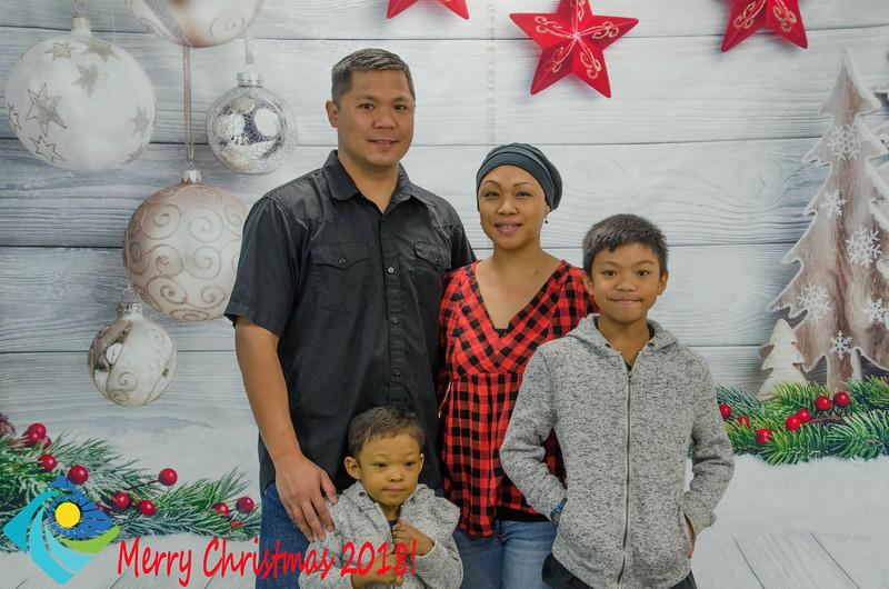Christmas Photobooth 2018 Sunday-073.jpg