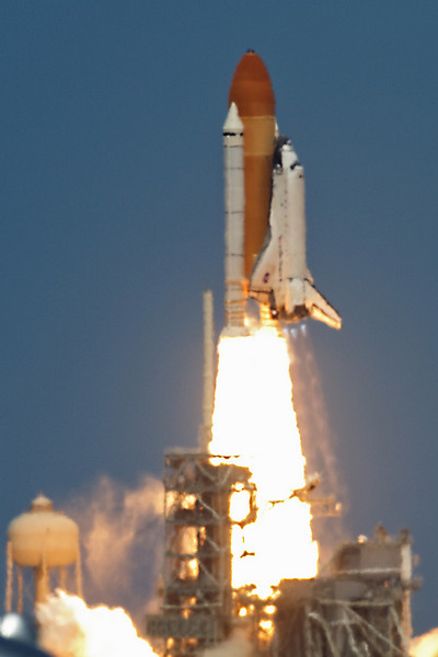 space-shuttle-stlantis-liftoff.jpg