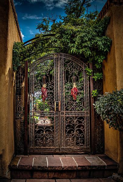 Santa Fe Plaza Gate.jpg
