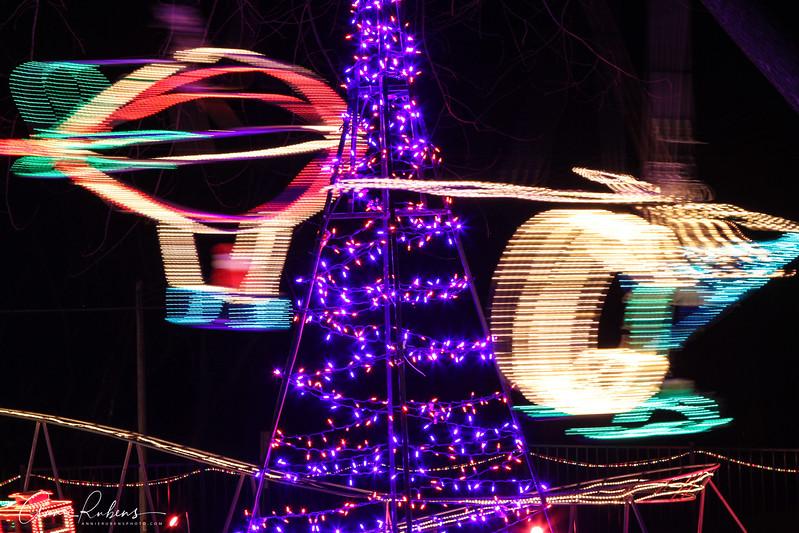Rubens_IMG_0475 christmaslightshelicopter.jpg