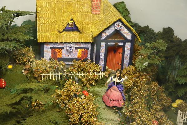 Miniature World - Fairy Tales [11 of 12] - 24 September 2017