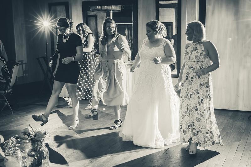 Beloit-WI-Ironworks-hotel-Wedding-Photographere_m_90.jpg