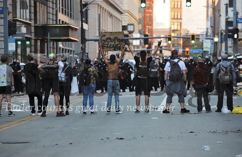 0601_loc_Pittsburgh Riot #3.jpg