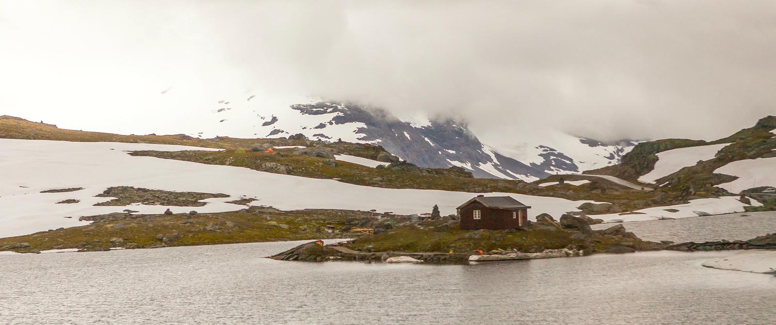 七月的挪威屋脊(Sognefjellet),冰川覆盖