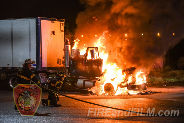 Luzerne County - Hazle Township - Vehicle Fire - 05/23/2018
