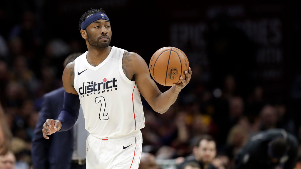 . Washington Wizards\' John Wall drives against the Cleveland Cavaliers in the second half of an NBA basketball game, Thursday, April 5, 2018, in Cleveland. (AP Photo/Tony Dejak)