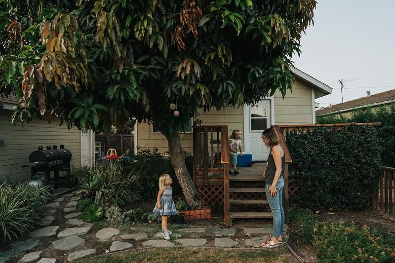 SeattleFamilyPhotographer-RenateSeptemberSharing-78.jpg