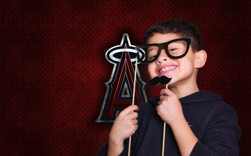 _D1A0405los-angeles-angels-american-baseball-club-red-metal-texture-metal-logo-emblem-besthqwallpapers.com-2560x1600.png