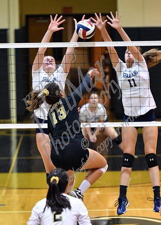 Berks Catholic vs Wyomissing Girls High School Volleyball 2017 - 2018