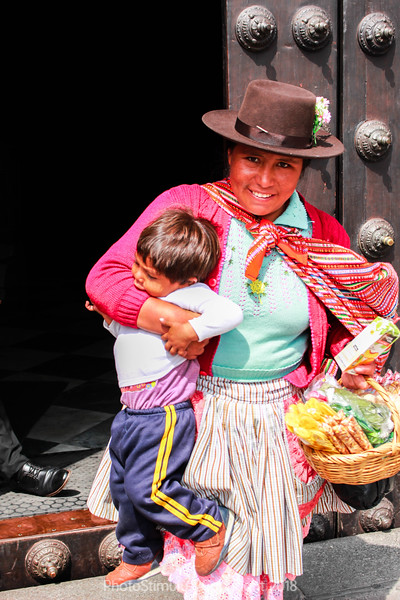 Cusco Woman and Child (1 of 1).jpg