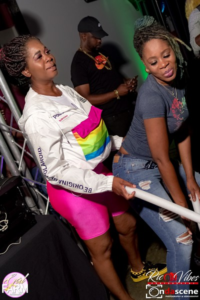 GAL FARM THURSDAYS PRESENTS IT'S GLOW NEON EDITION-70.jpg