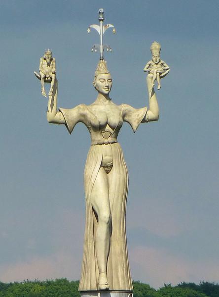 Day9-Konstance Statue.jpg