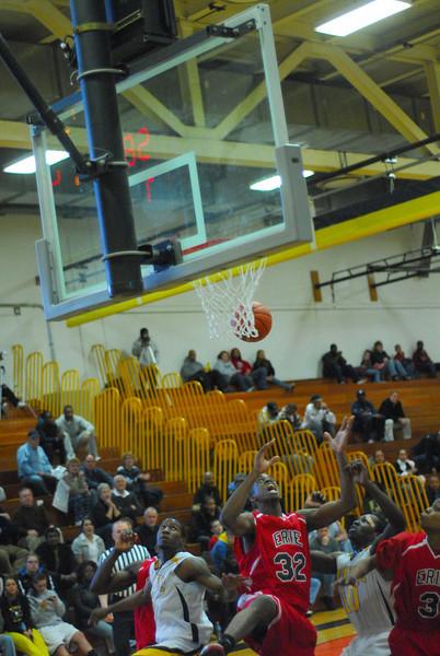 20090301_MCC Basketball_5665.JPG