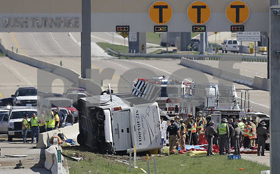 officials-8-dead-about-40-hurt-in-south-texas-bus-crash