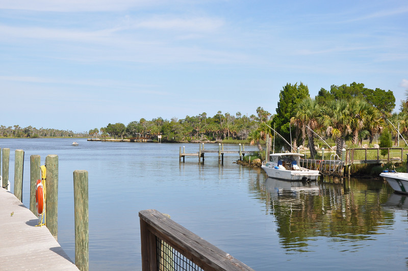 The Crystal River Preserve State Park is known for its natural beauty of undisturbed islands, backwaters & forests.  Over 9 miles of hiking trails and expansive grass flats to explore for paddlers makes this a relaxing park to visit.