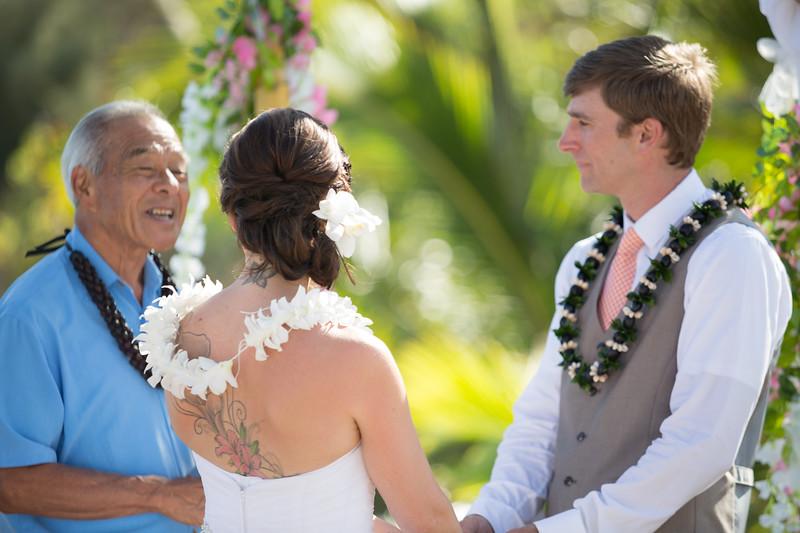 gillin beach kauai wedding-86.jpg