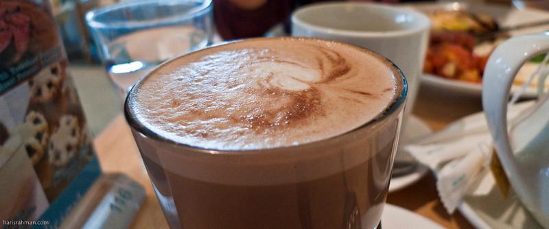 Hmmm! Latte!