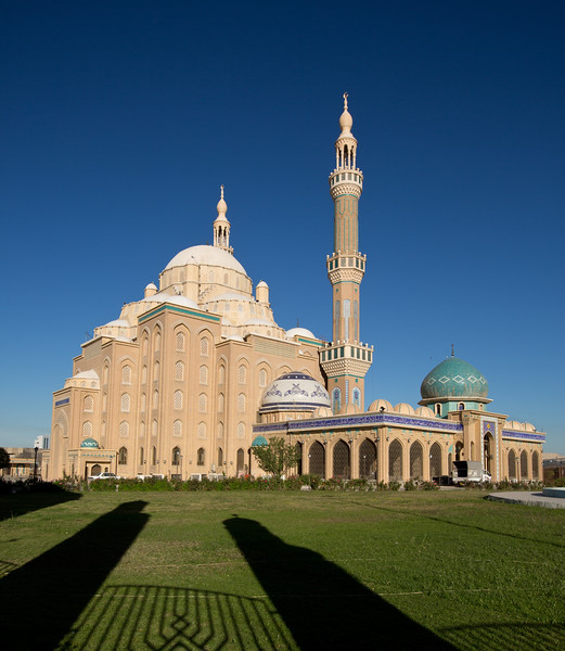 Erbil's Jalil Khayat Mosque, modelled on the Blue Mosque in Istanbul.