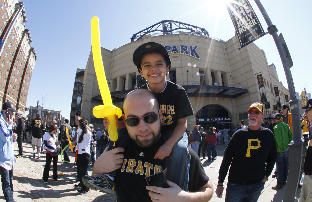 . Jaedyn Payne sits on his dad\'s shoulders on Opening Day at PNC Park March 31, 2014 in Pittsburgh, Pennsylvania.  (Photo by Justin K. Aller/Getty Images)