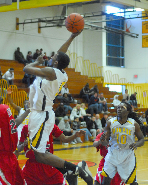 20090301_MCC Basketball_5659a.jpg