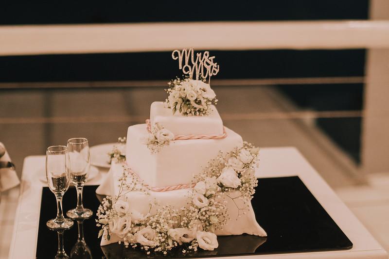 Tu-Nguyen-Destination-Wedding-Photographer-Mykonos-Katherine-Benji-471.jpg