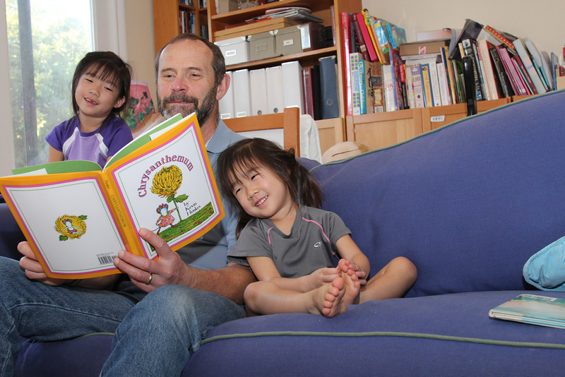 Pete drops by to read