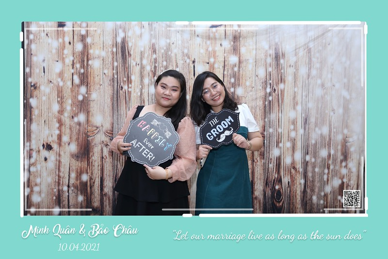 QC-wedding-instant-print-photobooth-Chup-hinh-lay-lien-in-anh-lay-ngay-Tiec-cuoi-WefieBox-Photobooth-Vietnam-cho-thue-photo-booth-118.jpg