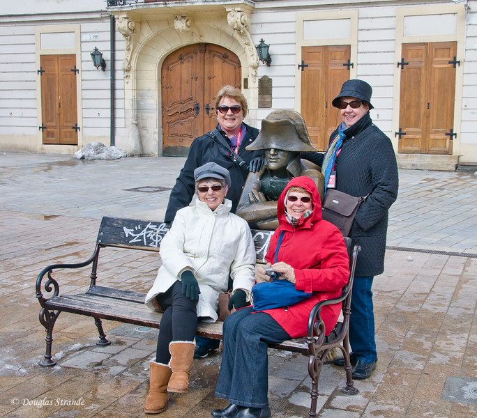 Teachers (Jackie, Phyllis, Davina & Peg) pose with Napoleonic soldier in Bratislava