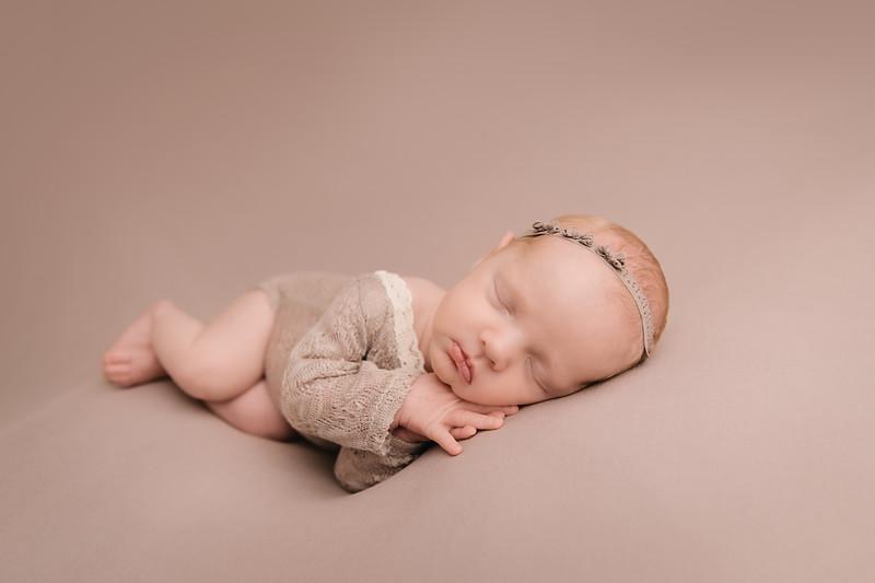 Autumn-Newborn-high-Resolution370A0218-Edit-Edit.jpg