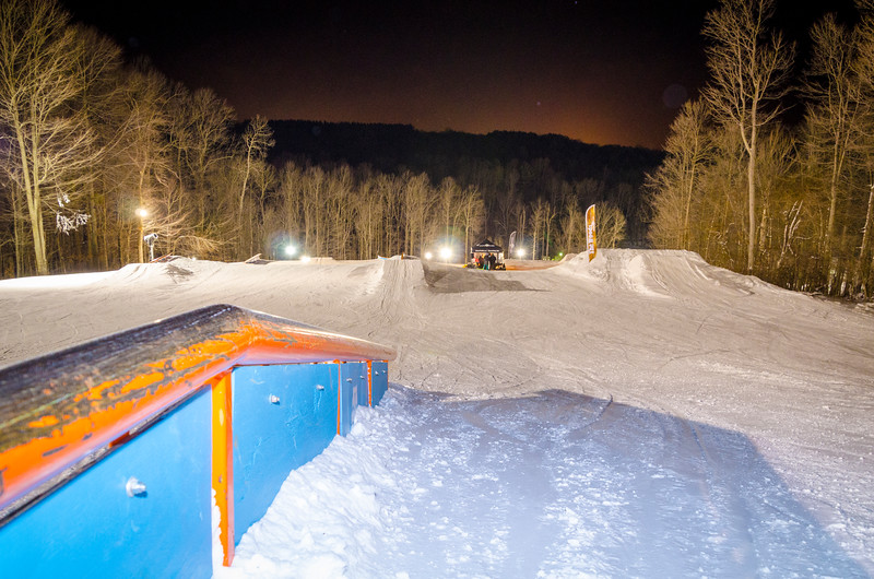 Nighttime-Rail-Jam_Snow-Trails-195.jpg