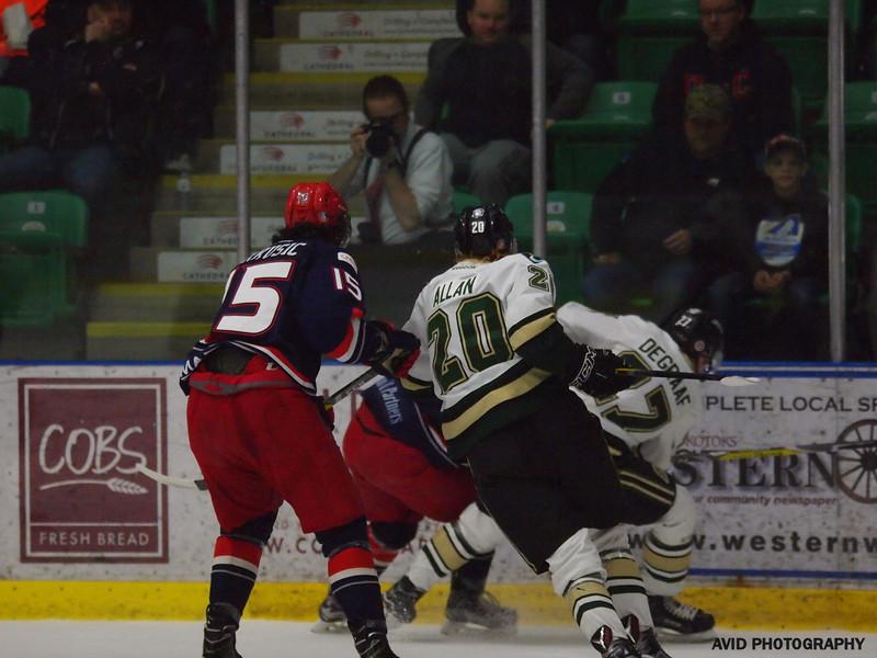 Okotoks Oilers vs Brooks Bandits April 4th AJHL (40).jpg