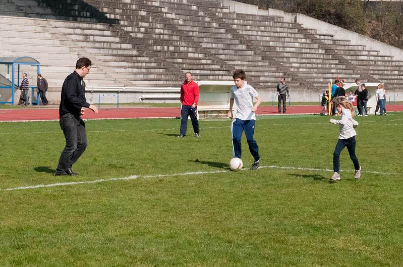 Playing soccer with the Guilhot kids in St. Etienne.