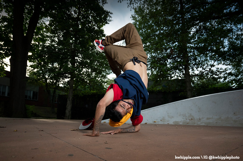 kwhipple_julie_alex_breakdancing_20190822_0020.jpg