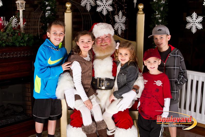 Santa Dec 15-309.jpg