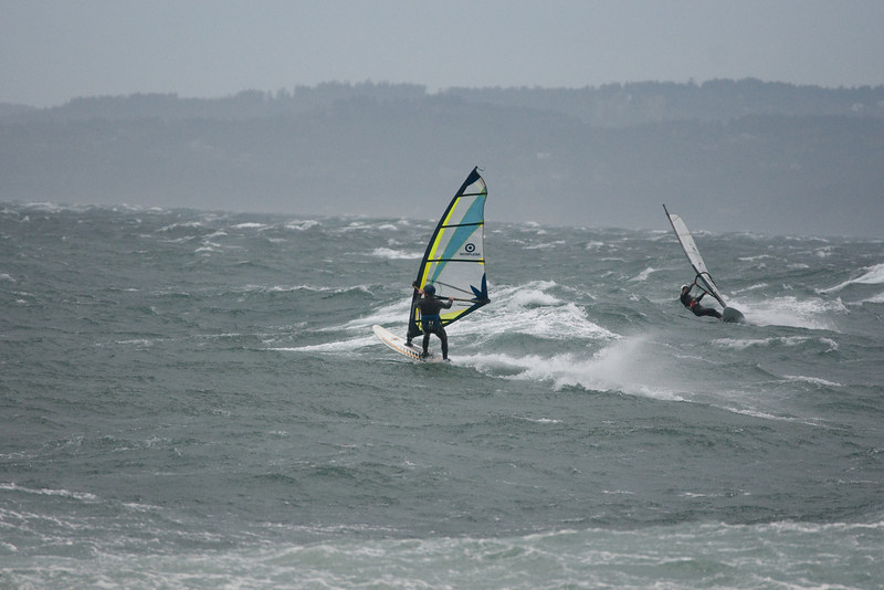 ULR and Kus rockin in the big seas....  This sequence really shows the conditions well I think.  (CRAZY!!!)
