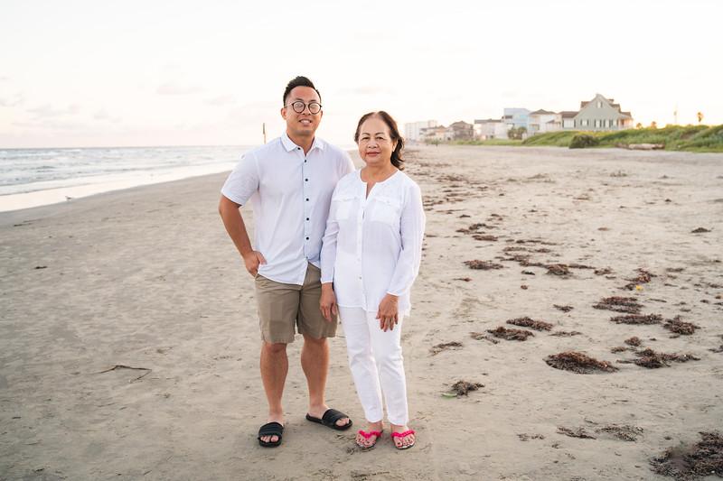 Mom_70th_Bday_Galveston_2019-131.jpg